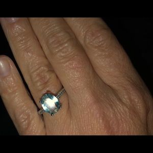 Jewelry - Gently Used Ring! Bundle & Save!💍